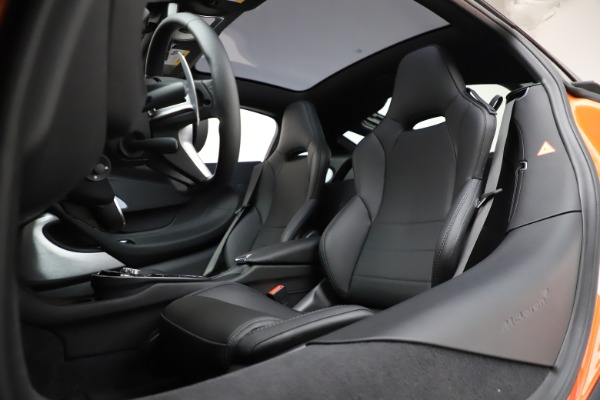 New 2020 McLaren GT Coupe for sale $246,975 at Pagani of Greenwich in Greenwich CT 06830 21