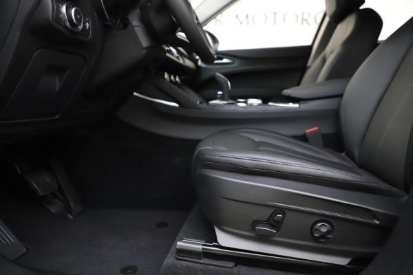 New 2020 Alfa Romeo Stelvio Q4 for sale $47,645 at Pagani of Greenwich in Greenwich CT 06830 14