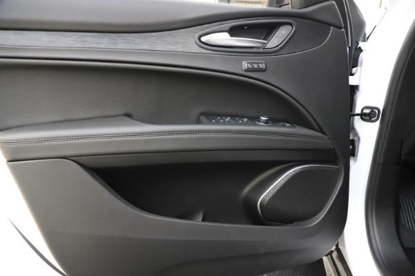 New 2020 Alfa Romeo Stelvio Q4 for sale $47,645 at Pagani of Greenwich in Greenwich CT 06830 17