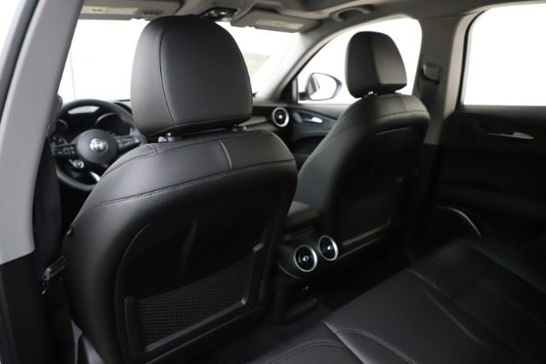 New 2020 Alfa Romeo Stelvio Q4 for sale $47,645 at Pagani of Greenwich in Greenwich CT 06830 20
