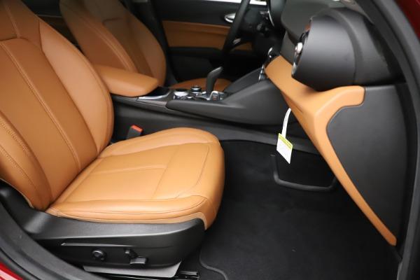 New 2020 Alfa Romeo Giulia Ti Q4 for sale Sold at Pagani of Greenwich in Greenwich CT 06830 24