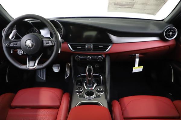 New 2020 Alfa Romeo Giulia Ti Sport Q4 for sale $50,445 at Pagani of Greenwich in Greenwich CT 06830 15