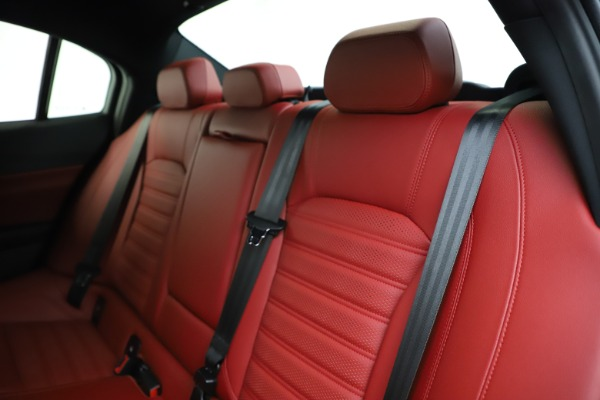 New 2020 Alfa Romeo Giulia Ti Sport Q4 for sale $50,445 at Pagani of Greenwich in Greenwich CT 06830 17
