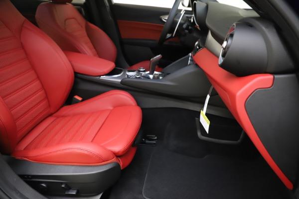New 2020 Alfa Romeo Giulia Ti Sport Q4 for sale $50,445 at Pagani of Greenwich in Greenwich CT 06830 23