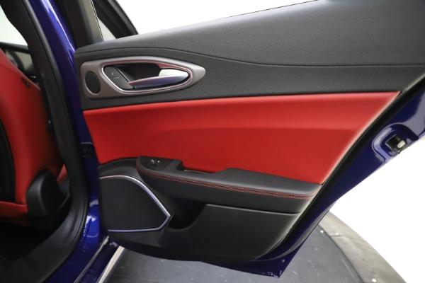 New 2020 Alfa Romeo Giulia Ti Sport Q4 for sale $50,445 at Pagani of Greenwich in Greenwich CT 06830 28