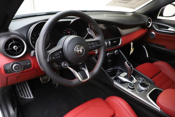 New 2020 Alfa Romeo Giulia Ti Sport Q4 for sale $51,995 at Pagani of Greenwich in Greenwich CT 06830 13