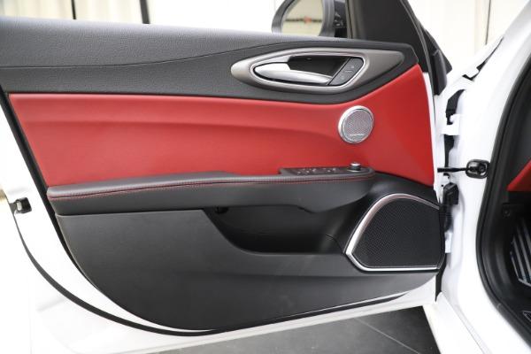 New 2020 Alfa Romeo Giulia Ti Sport Q4 for sale $51,995 at Pagani of Greenwich in Greenwich CT 06830 17