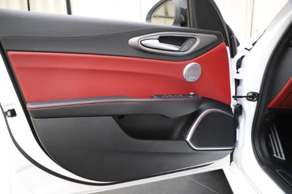 New 2020 Alfa Romeo Giulia Ti Sport Q4 for sale $51,995 at Pagani of Greenwich in Greenwich CT 06830 18