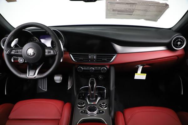 New 2020 Alfa Romeo Giulia Ti Sport Q4 for sale $52,595 at Pagani of Greenwich in Greenwich CT 06830 16