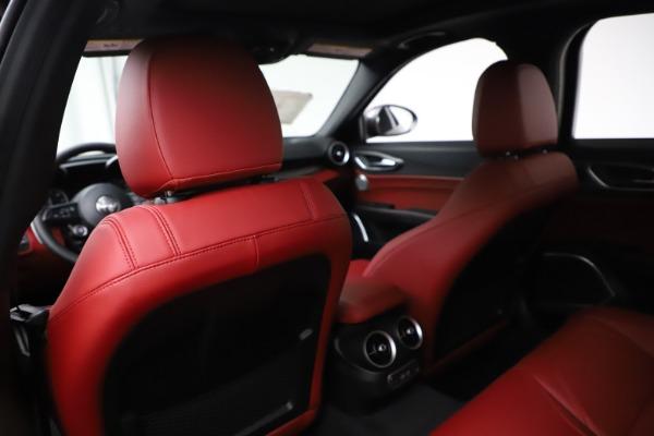 New 2020 Alfa Romeo Giulia Ti Sport Q4 for sale $52,595 at Pagani of Greenwich in Greenwich CT 06830 20