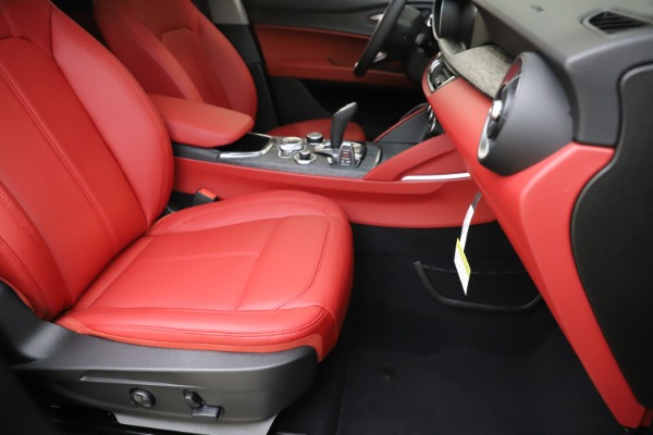 New 2020 Alfa Romeo Stelvio Sport Q4 for sale Sold at Pagani of Greenwich in Greenwich CT 06830 24