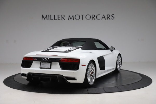 Used 2017 Audi R8 5.2 quattro V10 Spyder for sale $138,900 at Pagani of Greenwich in Greenwich CT 06830 16
