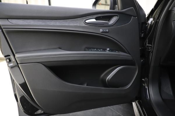 New 2020 Alfa Romeo Stelvio Sport Q4 for sale $49,695 at Pagani of Greenwich in Greenwich CT 06830 17