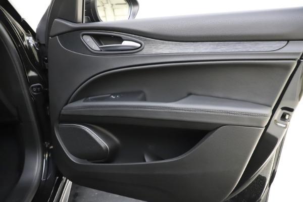 New 2020 Alfa Romeo Stelvio Sport Q4 for sale $49,695 at Pagani of Greenwich in Greenwich CT 06830 25