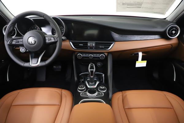 New 2020 Alfa Romeo Giulia Q4 for sale $46,395 at Pagani of Greenwich in Greenwich CT 06830 16