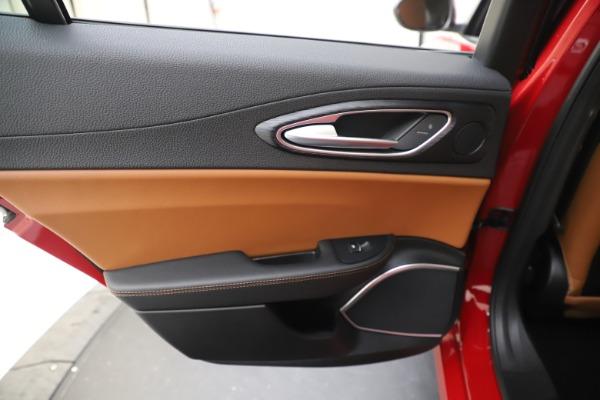 New 2020 Alfa Romeo Giulia Q4 for sale $46,395 at Pagani of Greenwich in Greenwich CT 06830 21