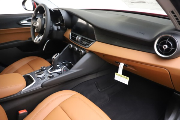 New 2020 Alfa Romeo Giulia Q4 for sale $46,395 at Pagani of Greenwich in Greenwich CT 06830 22