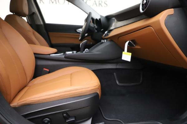 New 2020 Alfa Romeo Giulia Q4 for sale $46,395 at Pagani of Greenwich in Greenwich CT 06830 23