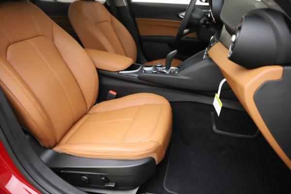 New 2020 Alfa Romeo Giulia Q4 for sale $46,395 at Pagani of Greenwich in Greenwich CT 06830 24