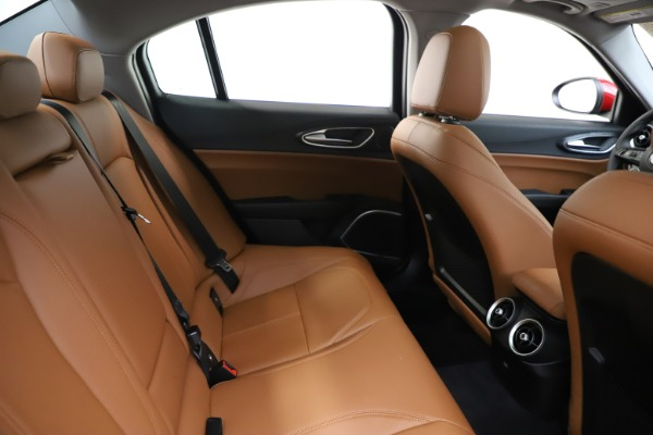 New 2020 Alfa Romeo Giulia Q4 for sale $46,395 at Pagani of Greenwich in Greenwich CT 06830 27