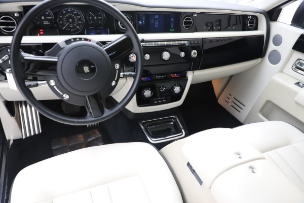 Used 2013 Rolls-Royce Phantom for sale Sold at Pagani of Greenwich in Greenwich CT 06830 12