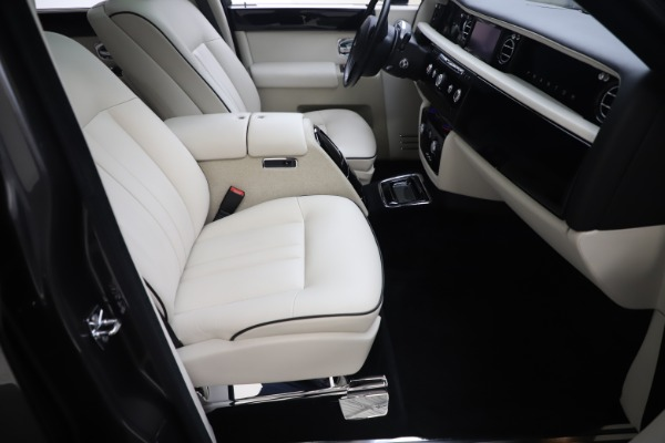Used 2013 Rolls-Royce Phantom for sale Sold at Pagani of Greenwich in Greenwich CT 06830 18