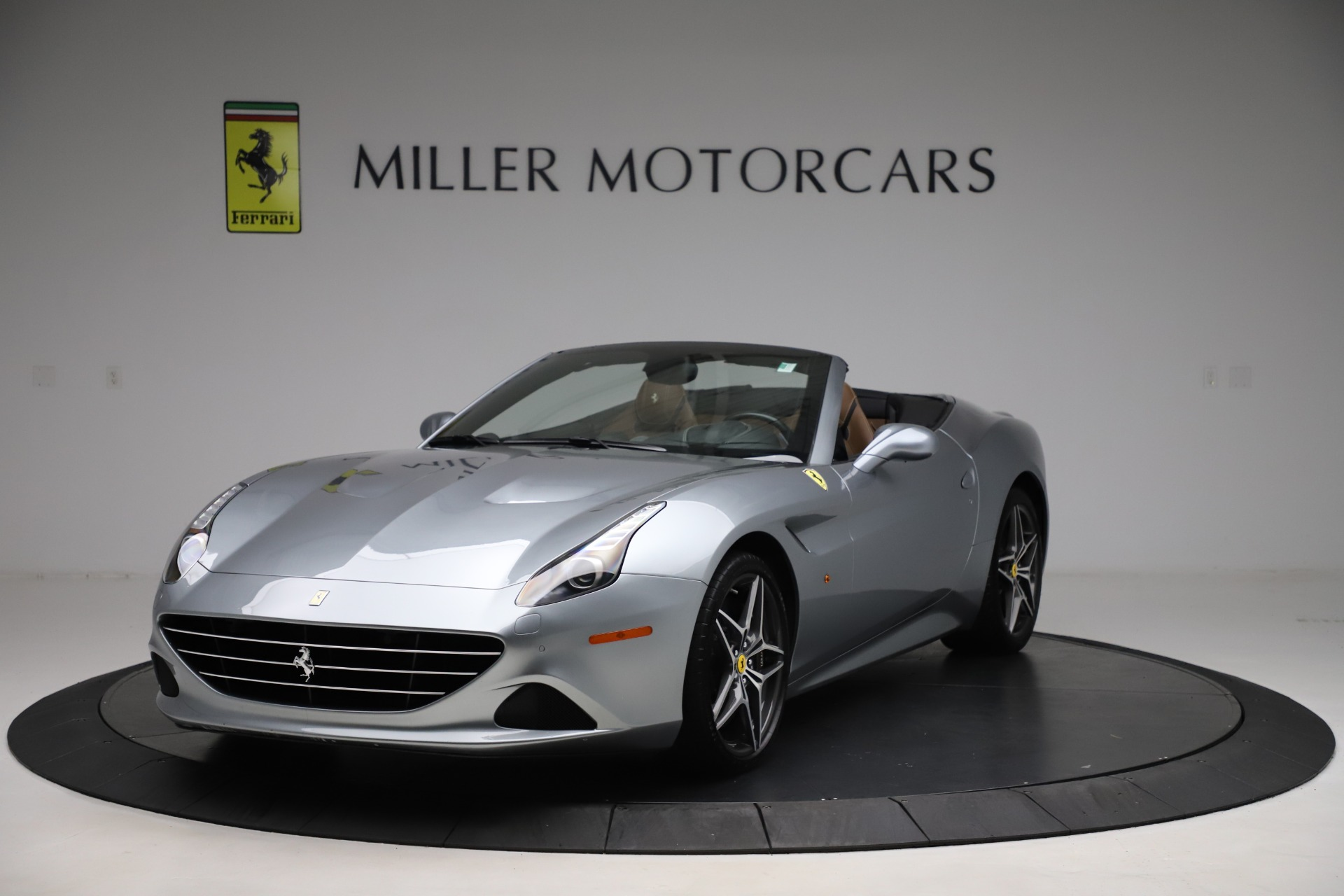 Used 2016 Ferrari California T for sale Sold at Pagani of Greenwich in Greenwich CT 06830 1