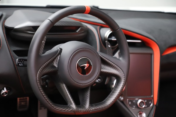 New 2020 McLaren 720S Spider Performance for sale $386,289 at Pagani of Greenwich in Greenwich CT 06830 22