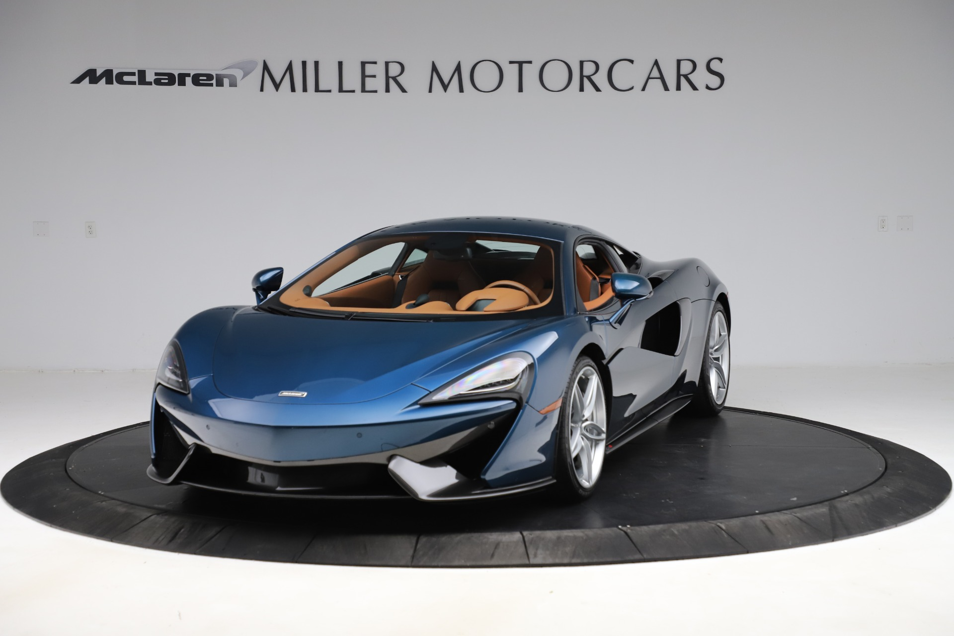 Used 2017 McLaren 570S for sale $154,900 at Pagani of Greenwich in Greenwich CT 06830 1