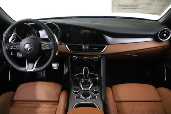 New 2020 Alfa Romeo Giulia Ti Sport Q4 for sale $54,995 at Pagani of Greenwich in Greenwich CT 06830 16