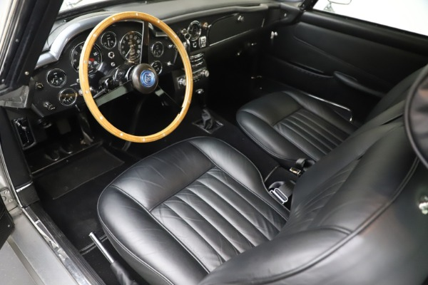 Used 1964 Aston Martin DB5 for sale Sold at Pagani of Greenwich in Greenwich CT 06830 15
