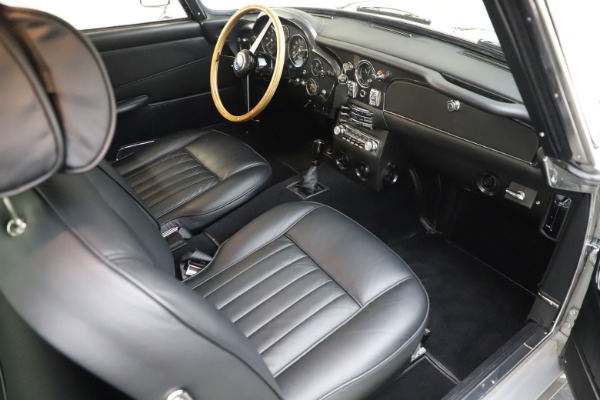 Used 1964 Aston Martin DB5 for sale Sold at Pagani of Greenwich in Greenwich CT 06830 24