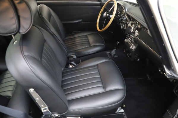 Used 1964 Aston Martin DB5 for sale Sold at Pagani of Greenwich in Greenwich CT 06830 25
