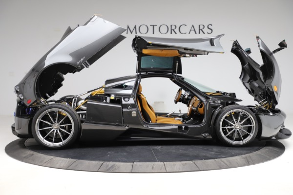 Used 2014 Pagani Huayra Tempesta for sale $2,195,000 at Pagani of Greenwich in Greenwich CT 06830 22