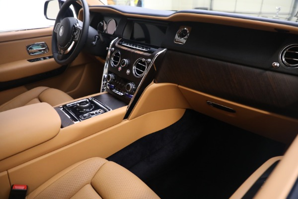 Used 2020 Rolls-Royce Cullinan for sale Call for price at Pagani of Greenwich in Greenwich CT 06830 16