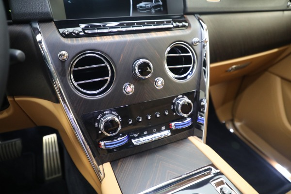 Used 2020 Rolls-Royce Cullinan for sale Call for price at Pagani of Greenwich in Greenwich CT 06830 24