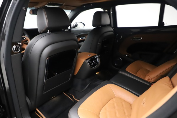 Used 2016 Bentley Mulsanne Speed for sale $146,900 at Pagani of Greenwich in Greenwich CT 06830 21