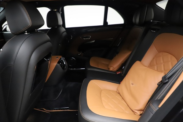 Used 2016 Bentley Mulsanne Speed for sale $146,900 at Pagani of Greenwich in Greenwich CT 06830 22
