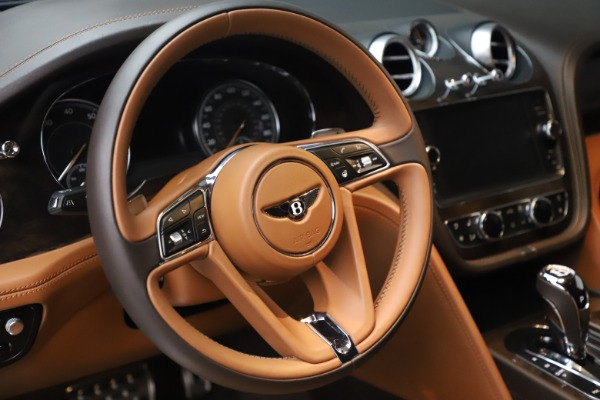 Used 2017 Bentley Bentayga W12 for sale Sold at Pagani of Greenwich in Greenwich CT 06830 18