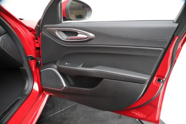 New 2020 Alfa Romeo Giulia Ti Q4 for sale $47,745 at Pagani of Greenwich in Greenwich CT 06830 24