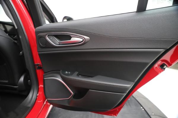 New 2020 Alfa Romeo Giulia Ti Q4 for sale $47,745 at Pagani of Greenwich in Greenwich CT 06830 28