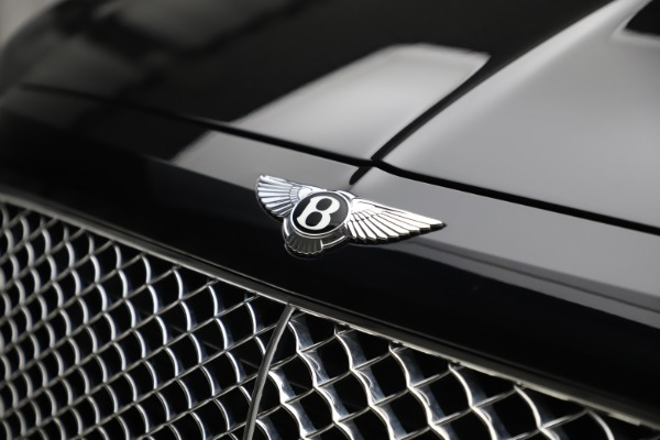 Used 2017 Bentley Bentayga W12 for sale $145,900 at Pagani of Greenwich in Greenwich CT 06830 14