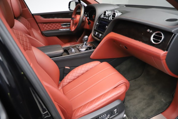 Used 2017 Bentley Bentayga W12 for sale $145,900 at Pagani of Greenwich in Greenwich CT 06830 25