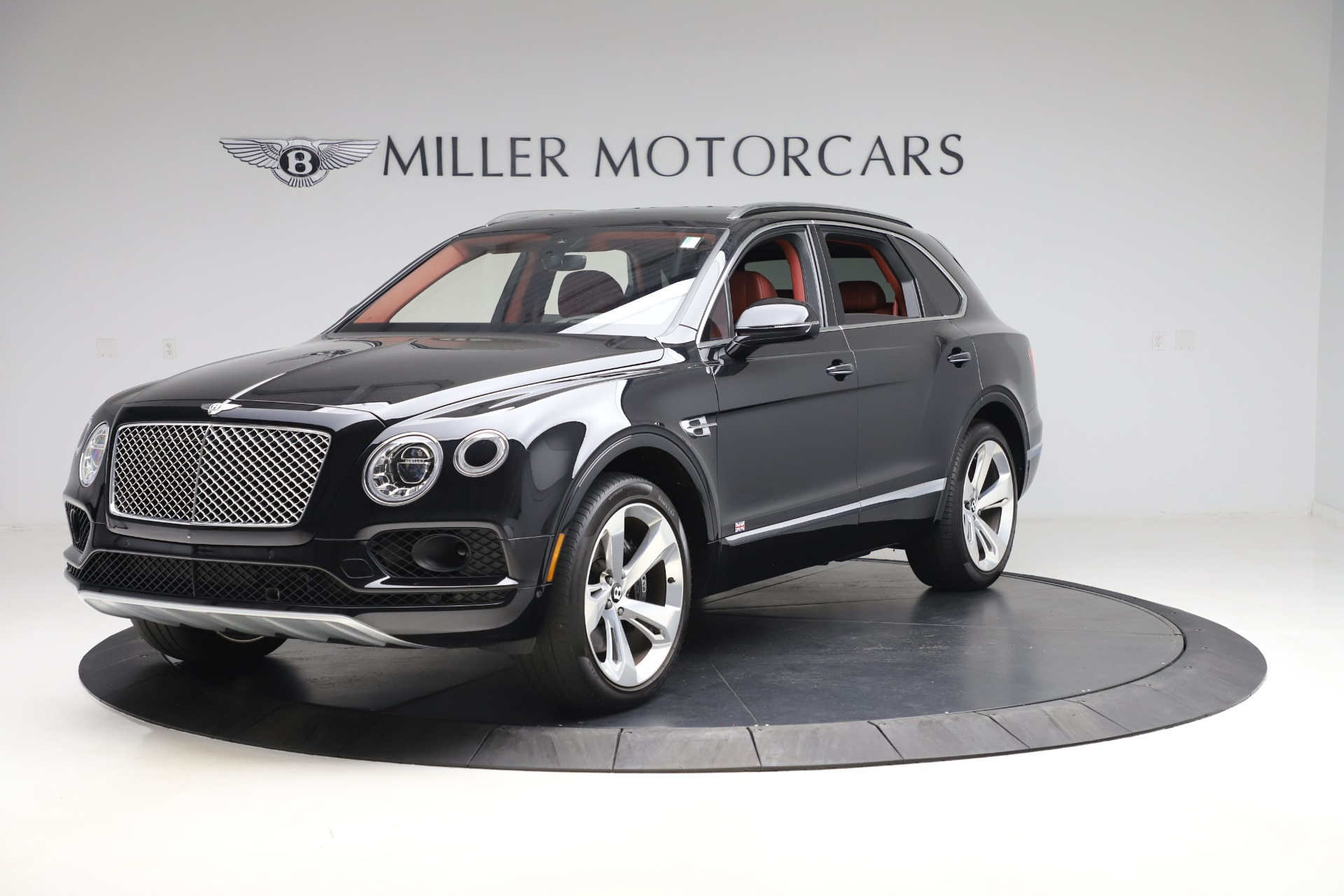 Used 2017 Bentley Bentayga W12 for sale $145,900 at Pagani of Greenwich in Greenwich CT 06830 1