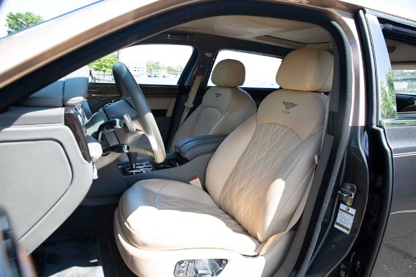 Used 2017 Bentley Mulsanne EWB for sale $295,900 at Pagani of Greenwich in Greenwich CT 06830 14