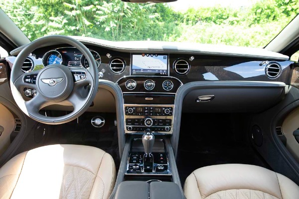 Used 2017 Bentley Mulsanne EWB for sale $295,900 at Pagani of Greenwich in Greenwich CT 06830 22