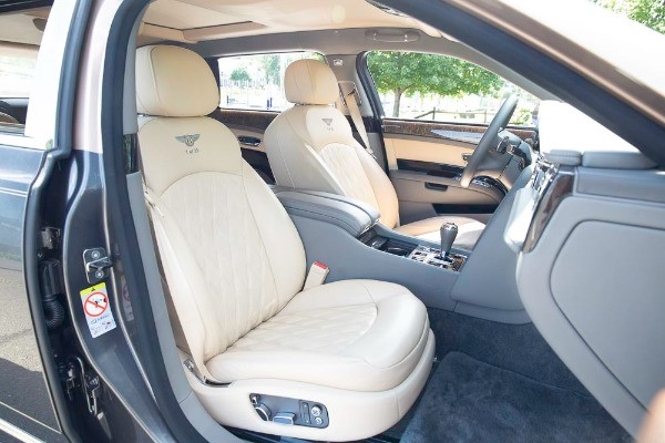 Used 2017 Bentley Mulsanne EWB for sale $295,900 at Pagani of Greenwich in Greenwich CT 06830 24