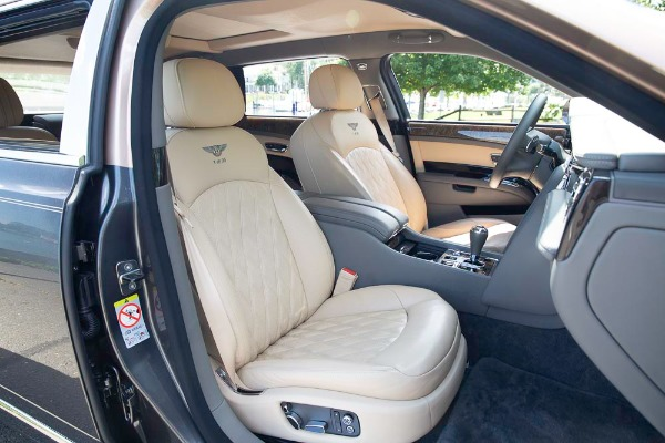 Used 2017 Bentley Mulsanne EWB for sale $295,900 at Pagani of Greenwich in Greenwich CT 06830 25