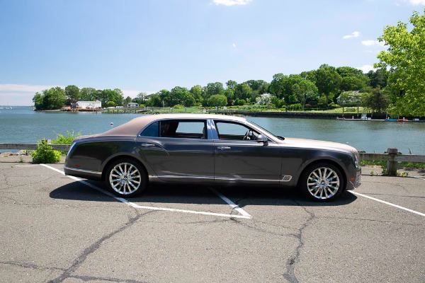 Used 2017 Bentley Mulsanne EWB for sale $295,900 at Pagani of Greenwich in Greenwich CT 06830 9