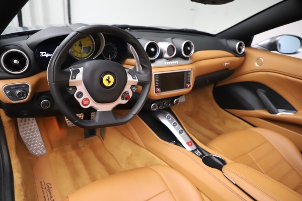 Used 2017 Ferrari California T for sale Sold at Pagani of Greenwich in Greenwich CT 06830 17